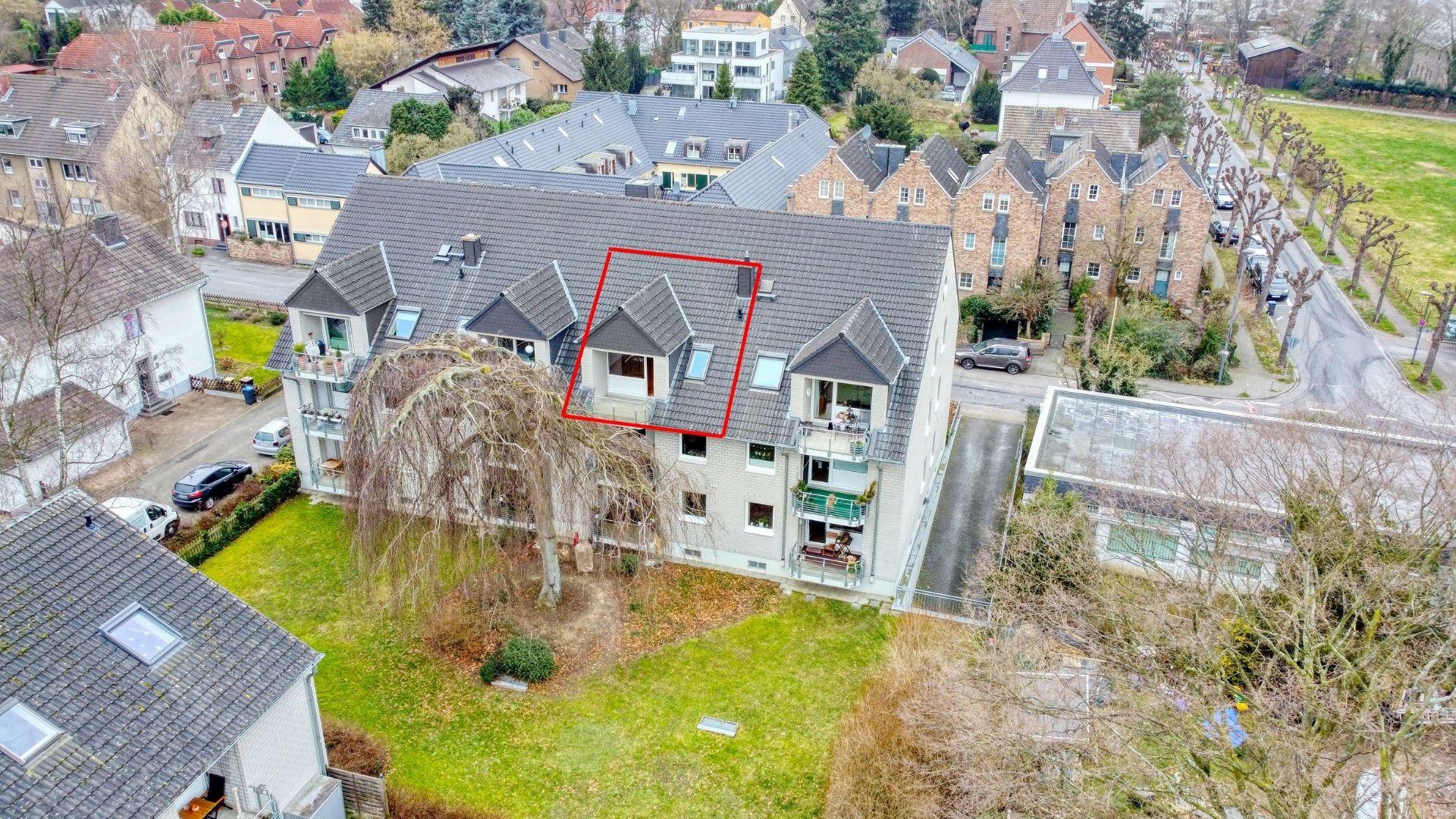Direkt am Rhein: Charmante 2-Zimmer-Wohnung begehrten Kölner Süden
