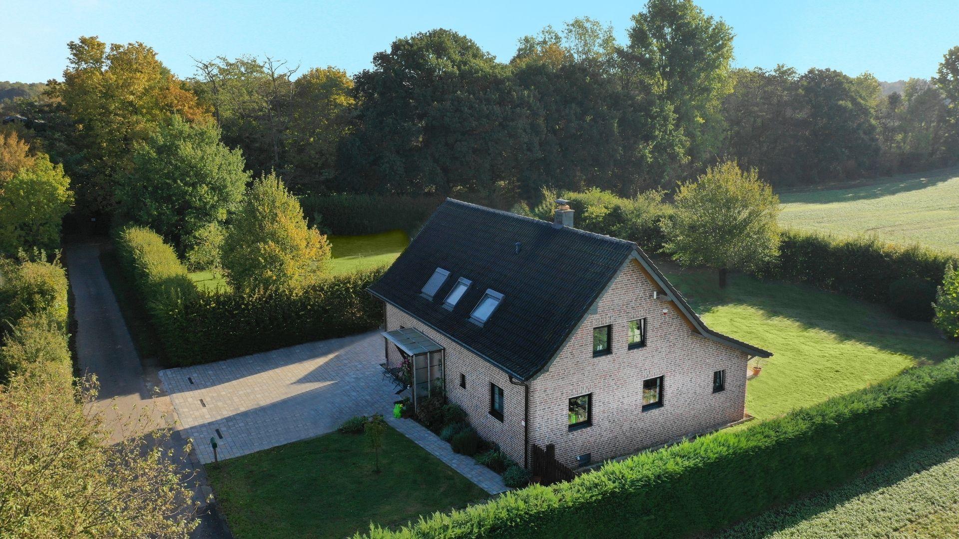 Freistehendes Einfamilienhaus am idyllischen Waldrand