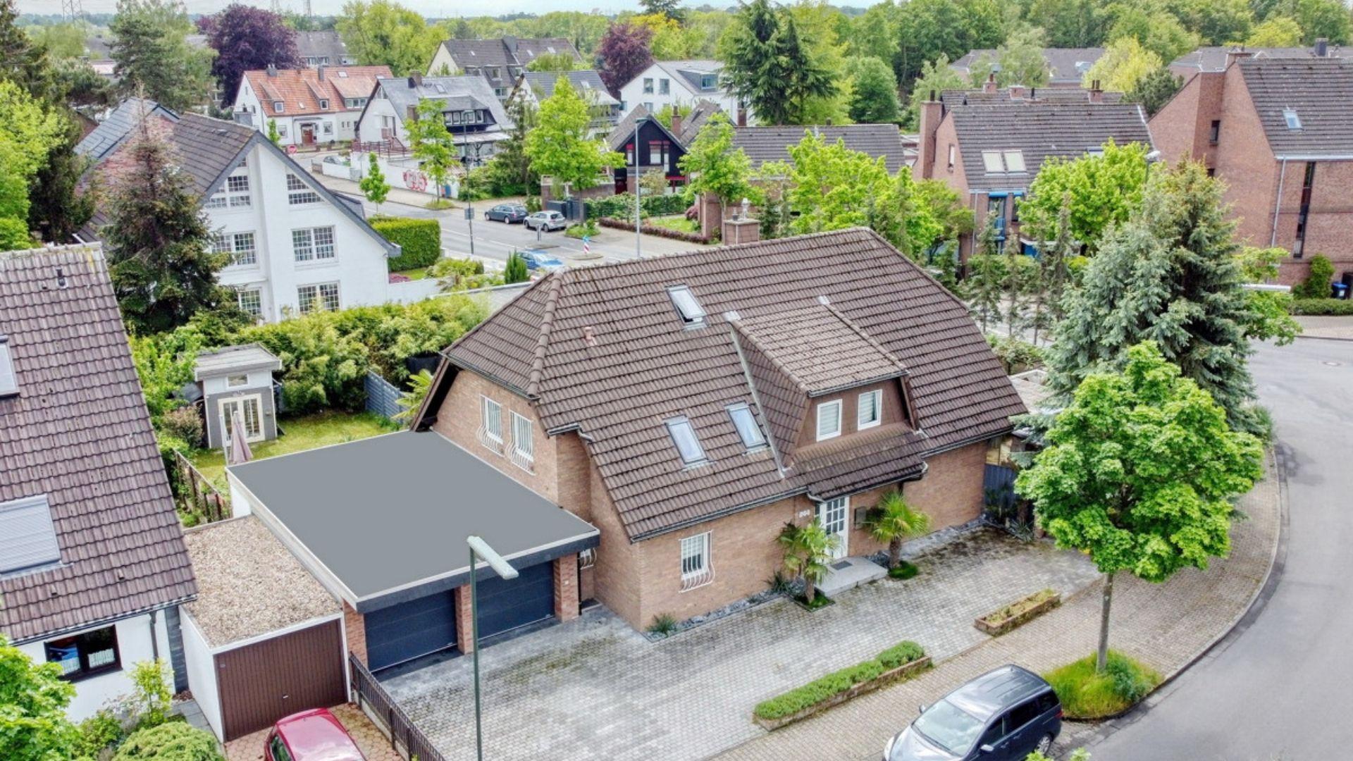 Freistehendes Zweifamilienhaus mit attraktivem Südwest-Garten
